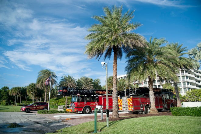 Palm Beach Fire Rescue responded Thursday to a fire in a condo at Sloan's Curve.