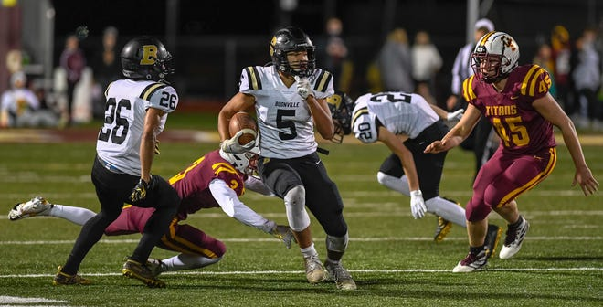 Boonville's Devin Mockobee (5), who set several school records, was named Courier & Press all-Southwestern Indiana Player of the Year.