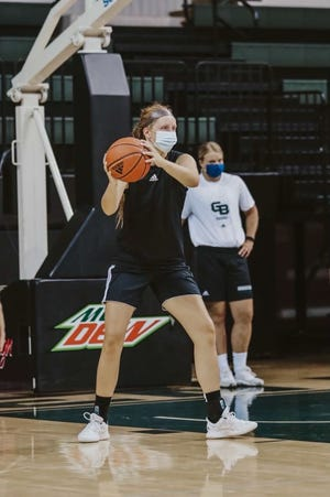 Former Green Bay Preble standout Kendall Renard is playing for her dream school at UWGB.