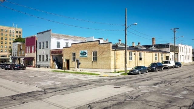 Manitowoc's Clipper City Co-op said it is working to secure a lease to open a community-owned grocery store at 702 York St., downtown.