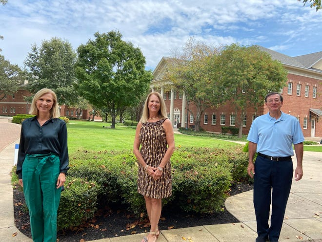 Terre Green Ware of Mountain Home recently donated $10,000 to Arkansas State University-Mountain Home to endow a new Book Author Lecture Series. Shown above are , from left: Mollie Morgan, Development Officer; Terre Green Ware; and Dr. Robin Myers, ASUMH Chancellor.
