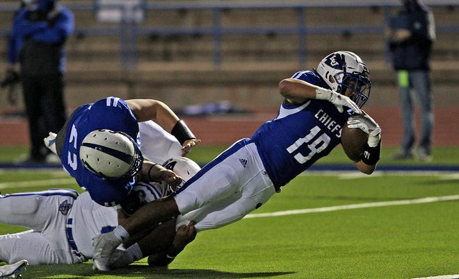 Josh Torres, right, reaches for the end zone for Lake View during a game against Fort Stockton on Thursday, Oct. 15, 2020.