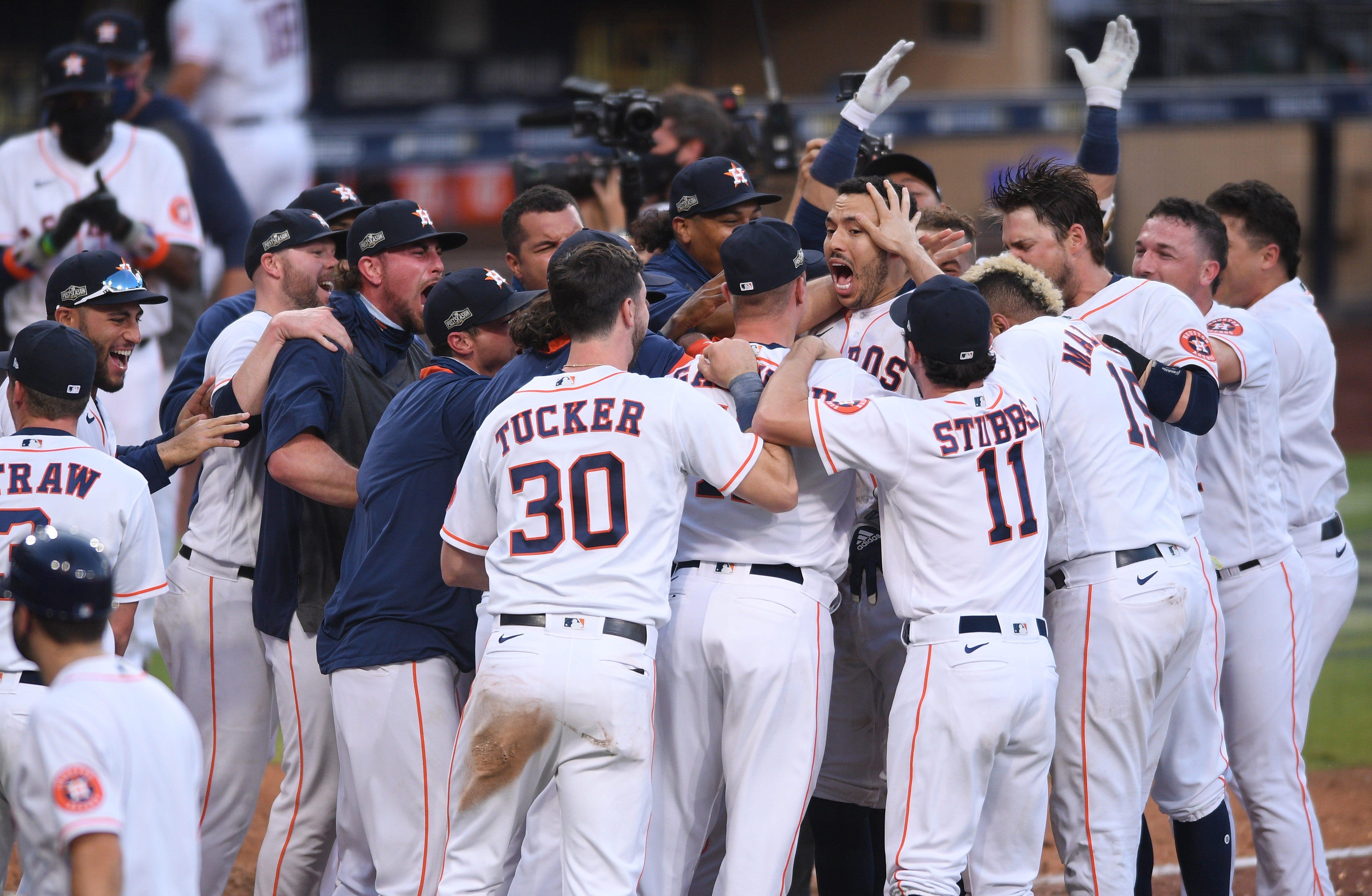 Carlos Correa's walk-off homer keeps Astros alive in ALCS vs. Rays