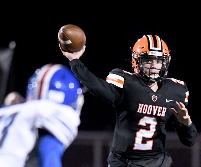 Hoover's Connor Ashby passes the ball in the second quarter of Lake at Hoover football.  Friday, October 16, 2020.