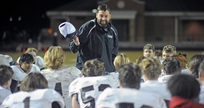Southside coach Gary Nelson speaks to his team following a 38-14 win over Scottsboro at Trammell Stadium in Scottsboro on Friday, Oct. 16, 2020.