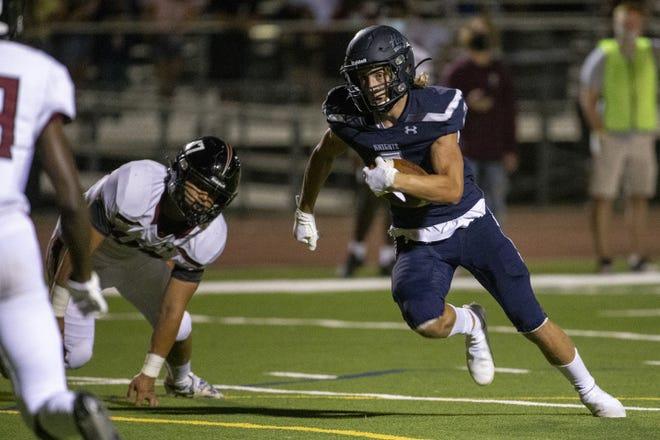 Higley's Truitt Robinson (3) scores a touchdown reception against Desert Ridge in the first half on Oct. 16, 2020, at Higley High School in Gilbert, Ariz.