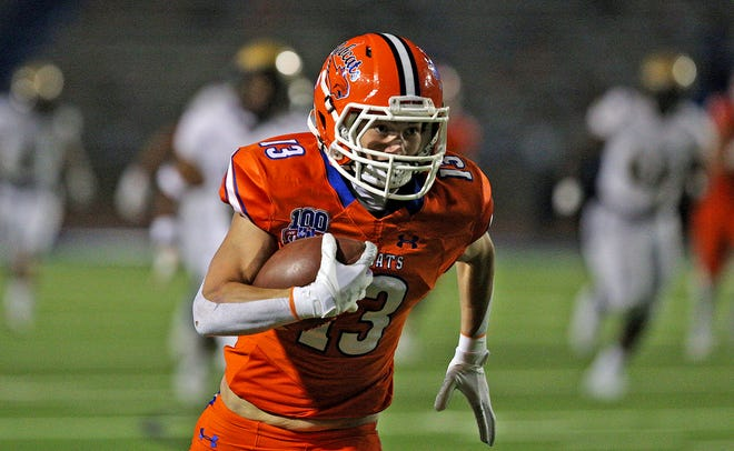 Seth Levesque rushes the ball for Central during a game against Abilene in San Angelo on Friday, Oct. 16, 2020.