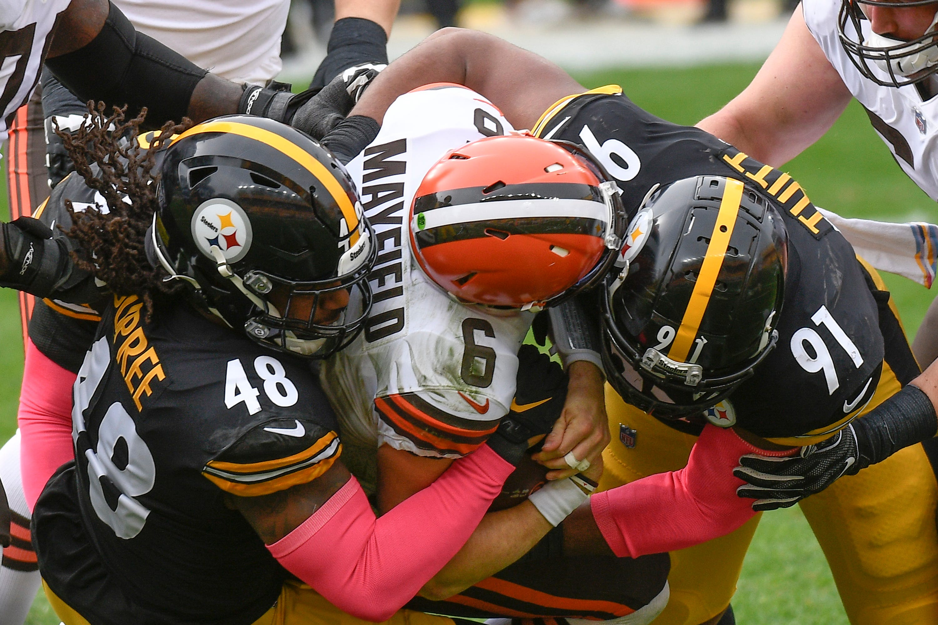 Steelers crush Browns to maintain perfect record, AFC North lead