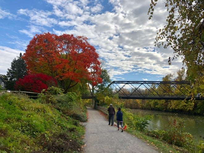 A scene from the towpath along the Erie Canal.