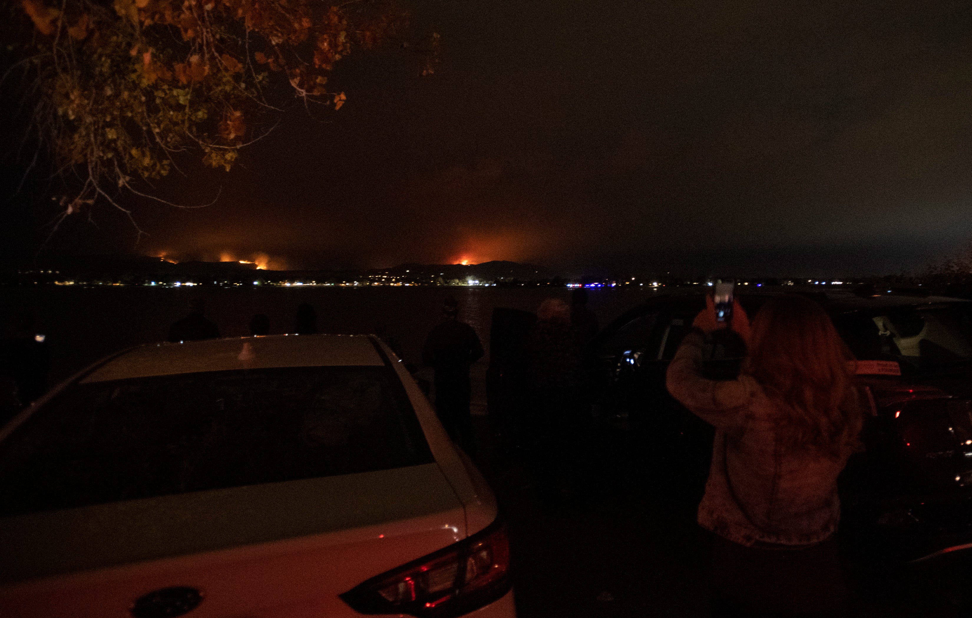 Rocky Mountain National Park closes, town evacuates