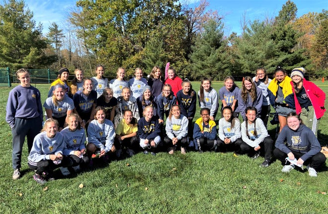 The Lancaster girls varsity cross country team won the Ohio Capital Conference-Buckeye Division championship. The Lady Gales were led by senior Sarah Craft, who took home the individual title for the second consecutive year.