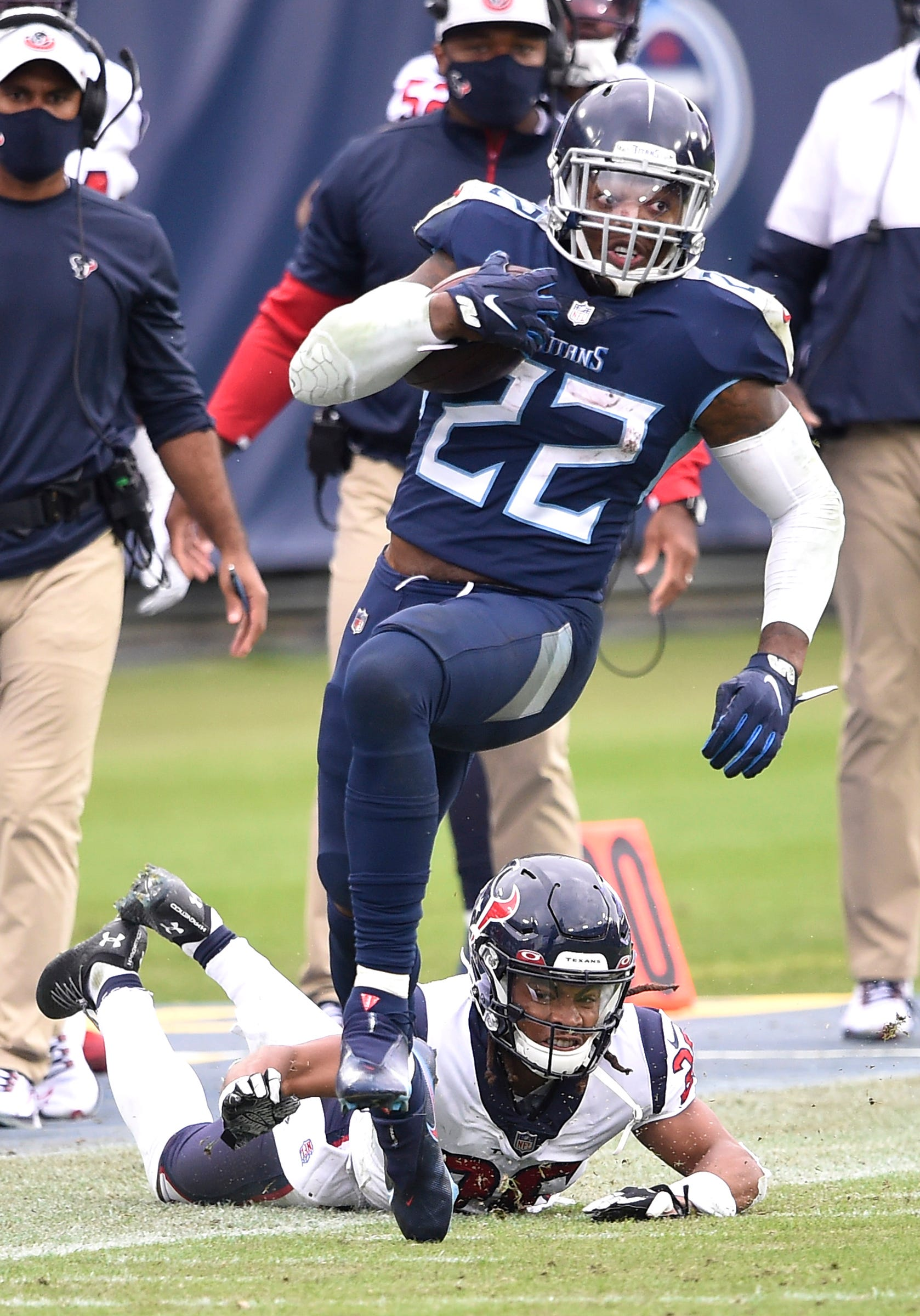 Titans RB Derrick Henry an NFL throwback who knows 'it can be here today and gone tomorrow'