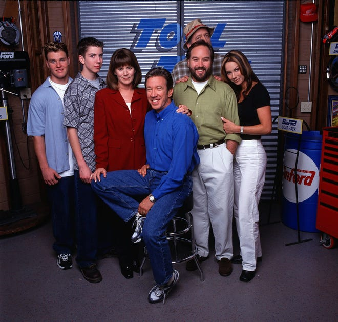 "81446 (5/4/99)--""HOME IMPROVEMENT"" - After eight successful seasons, the cast of the long-time hit comedy series ""Home Improvement"" completed production on the series' finale episode on Friday, April 9, 1999. Saying good-bye are the series stars (l-r:Zachery Ty Bryan, Taran Smith, Patricia Richardson, Tim Allen, Richard Karn, Earl Hindman (in rear) and Debbe Dunning.) The ninety-minute finale celebration of ""Home Improvement"" is set to air Thursday, May 25, 8:00 p.m. (ET) on the ABC Television Network.Photographer: RANDY HOLMES  L-R: ZACHERY TY BRYAN, TARAN SMITH, PATRICIA RICHARDSON, TIM ALLEN, RICHARD KARN, EARL HINDMAN, DEBBE DUNNING ORG XMIT: ABC4"