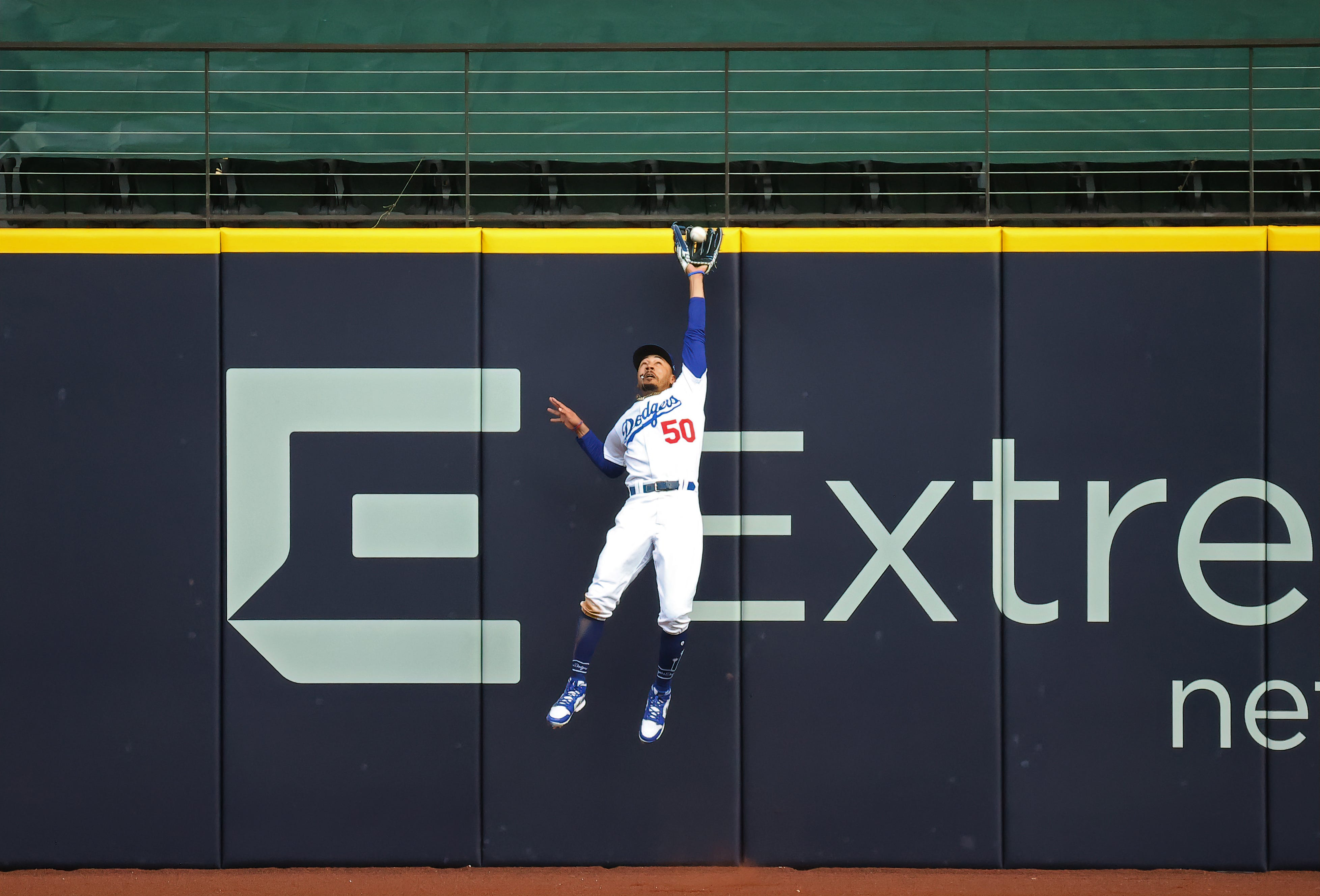 'An unbelievable play:' Mookie Betts comes up big again as Dodgers force Game 7 against Braves in NLCS