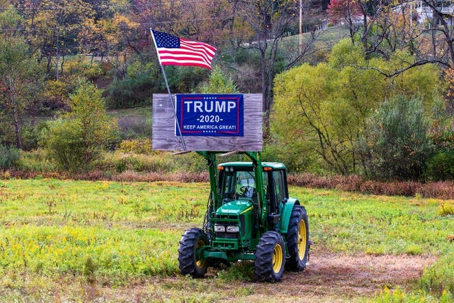 Farm country demonstrates its continuing support for the president.