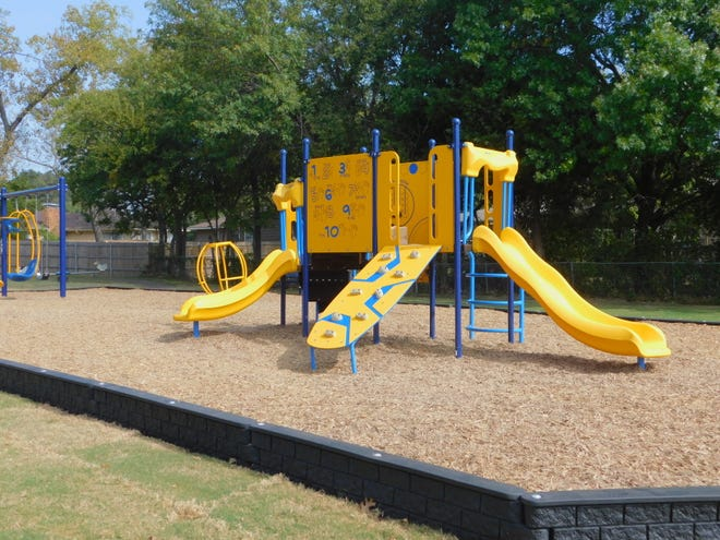 The city of Sherman held a ribboncutting ceremony for new playground equipment that was installed in  Hillcrest Park. The new equipment, which replaced 60s era pieces, was made possible through a $10,000 donation by the Sherman Rotary Club.