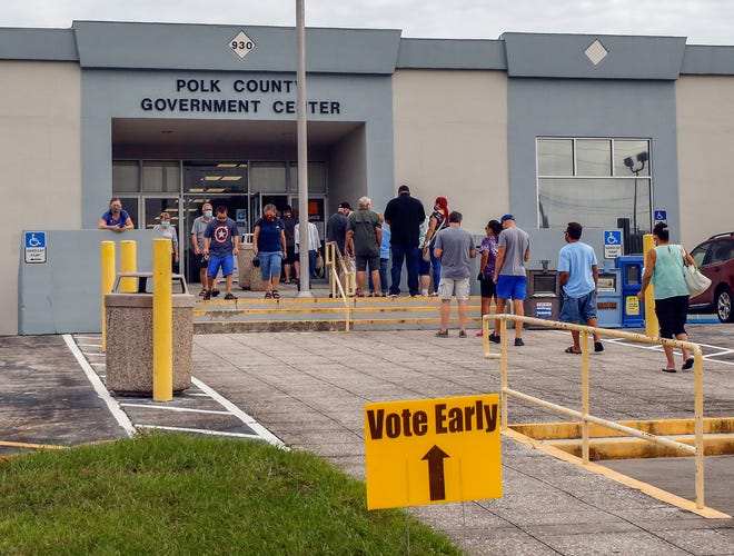 Early voting line at the Polk County Government Center on Oct. 20.