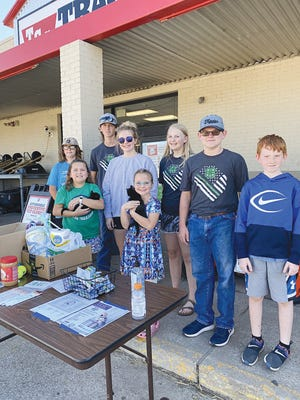 Members of the Country Trailblazers 4-H Club promoted 4-H and collected items for the Pratt Area Humane Society at their October 11 meeting. They installed new officers as well.