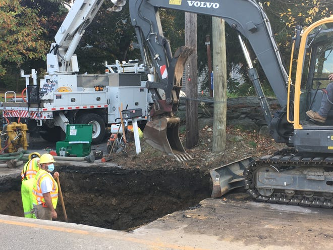 NPU repairs a water main on Fitchville Rd. in Bozrah Monday afternoon