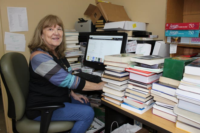 Since 2003, Margie Kelly has raised more than $100,000 in donations for the Baxter Baxter County Library by selling books online through sites like Amazon and eBay.