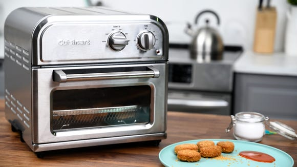 Best gifts for wives 2020: Cuisinart Compact AirFryer.