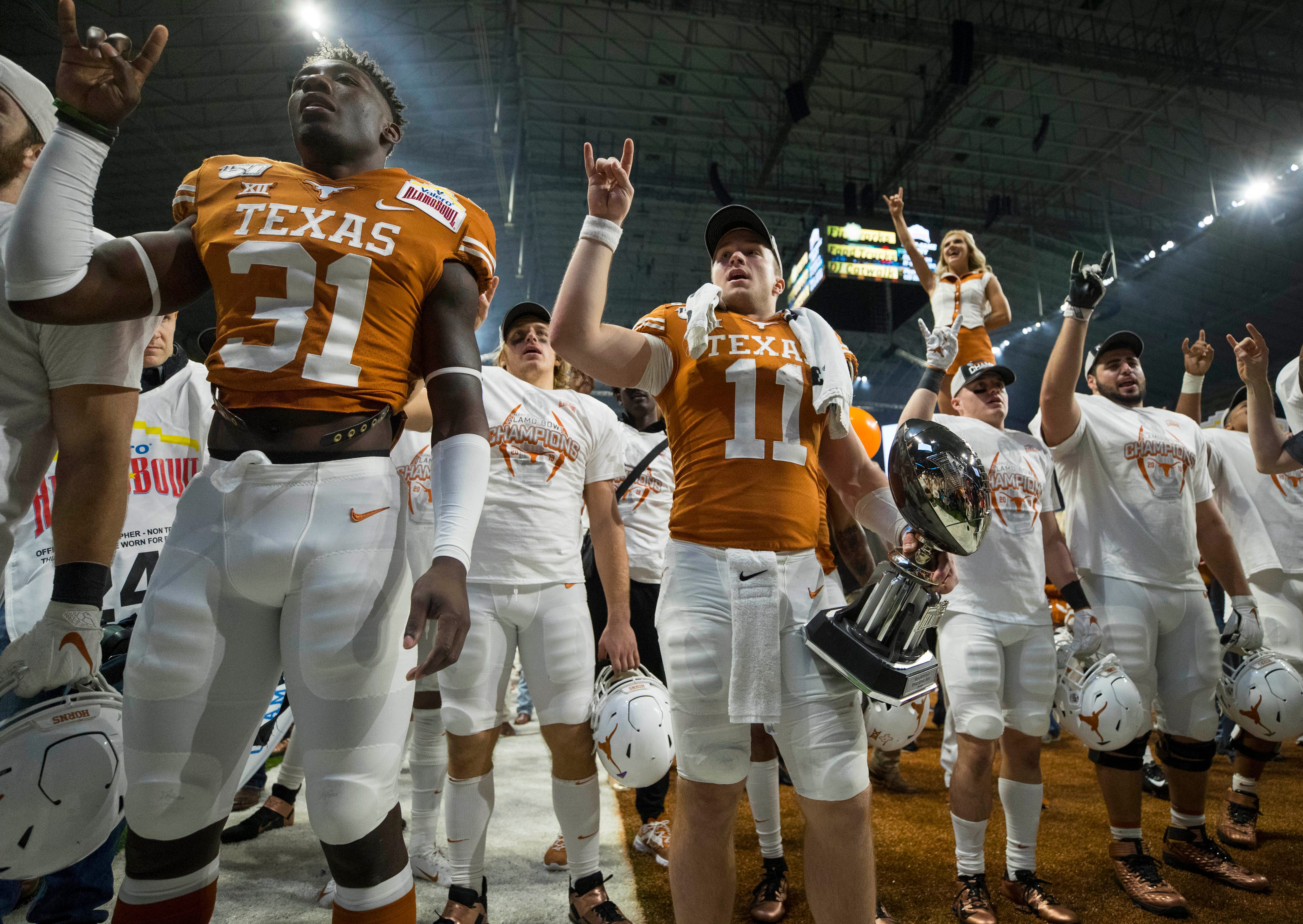 Tom Herman: No mandate forcing Texas players to stay on field for playing of 'The Eyes of Texas'