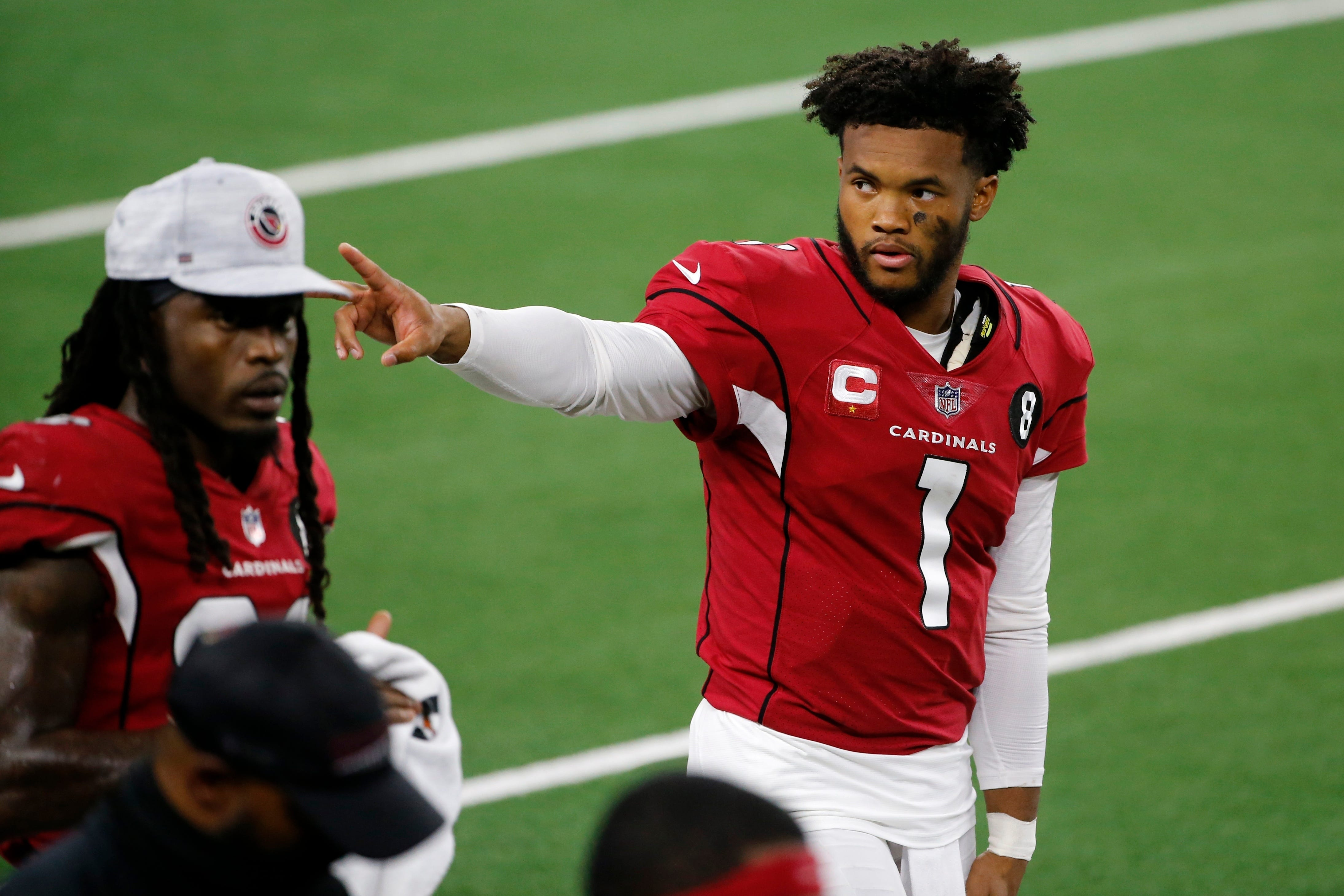 Opinion: Kyler Murray puts his feet up and makes himself at home in AT&T Stadium (again)
