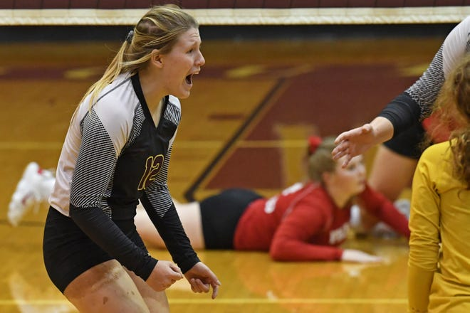 Rachel Neer reacts after a Southeast point during its OHSAA tournament match Tuesday against Field.
