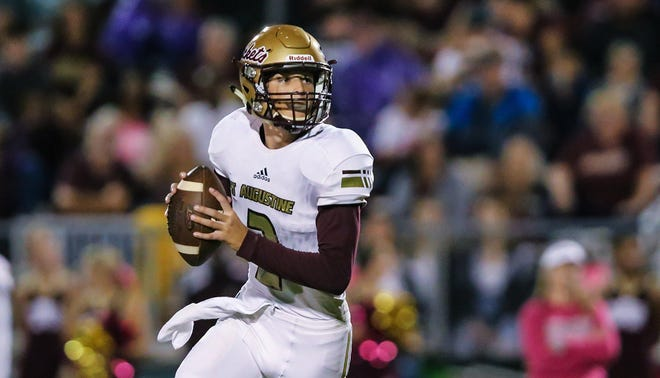 Sam Edwards and the Yellow Jackets face Lake Minneola in Friday's Class 6A state football semifinal.