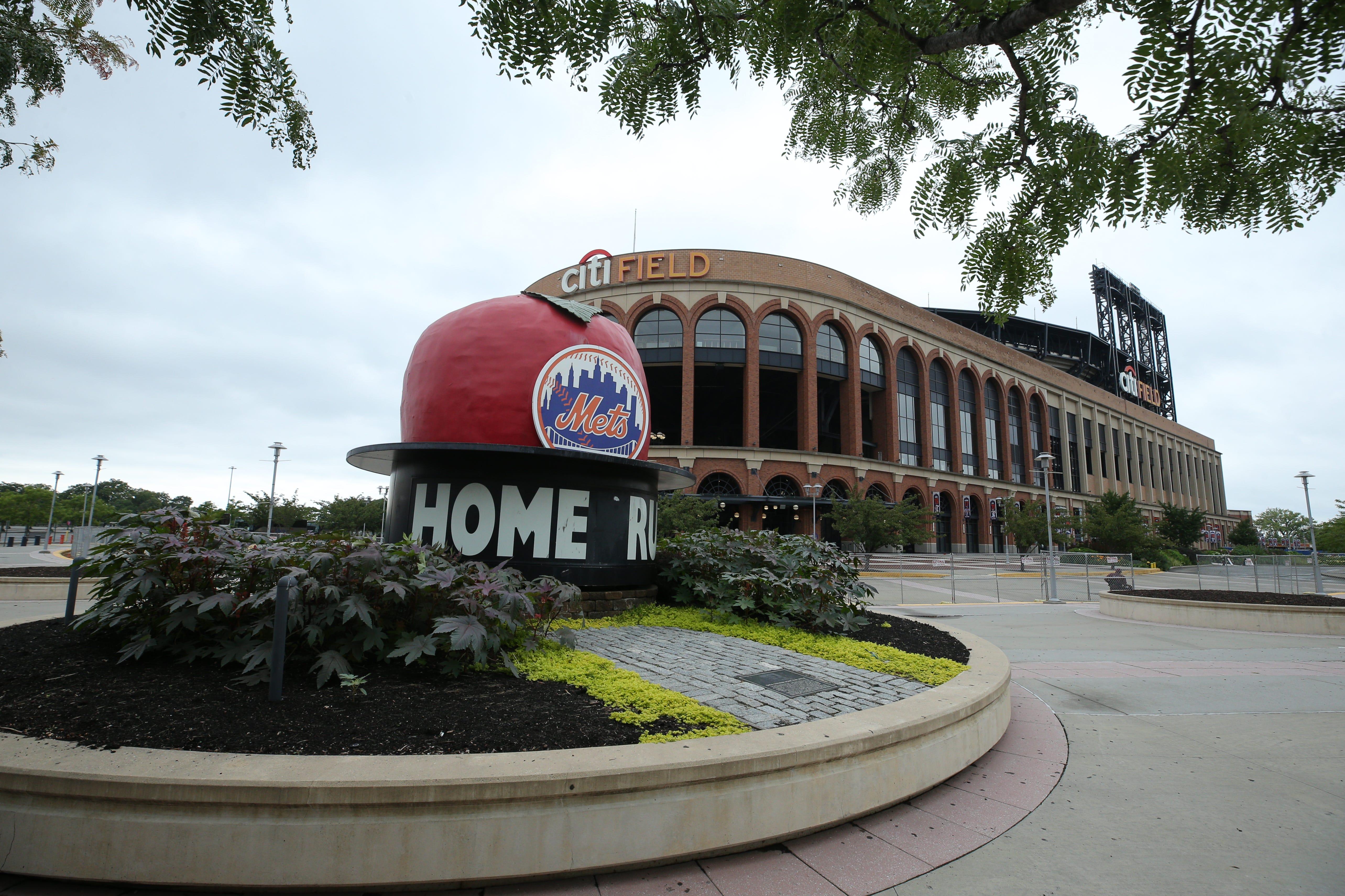 Mets' sale to Steve Cohen still has one hurdle to clear: New York City Mayor Bill de Blasio