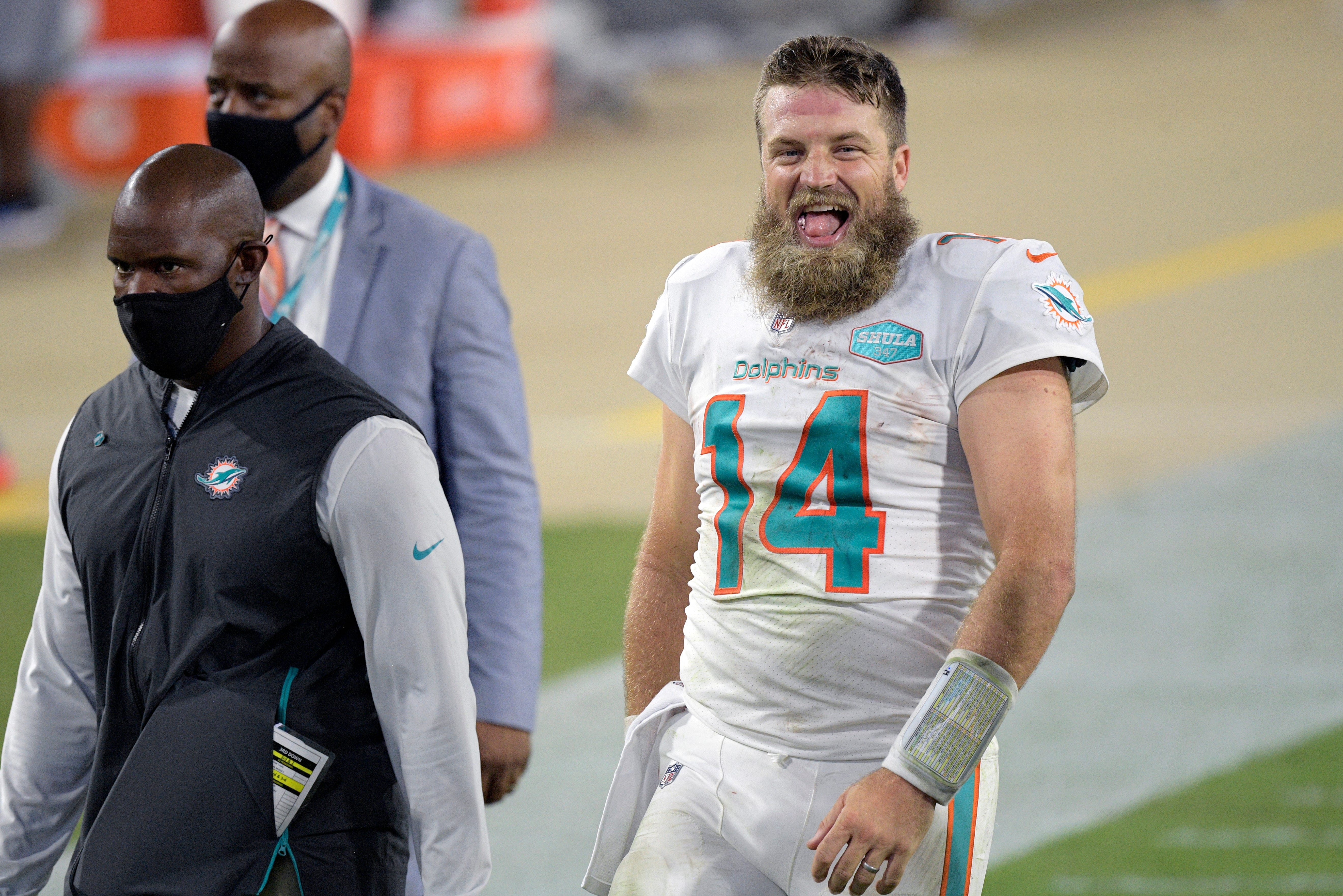 Opinion: Before Tua parade starts, Miami Dolphins' Ryan Fitzpatrick deserves to be celebrated