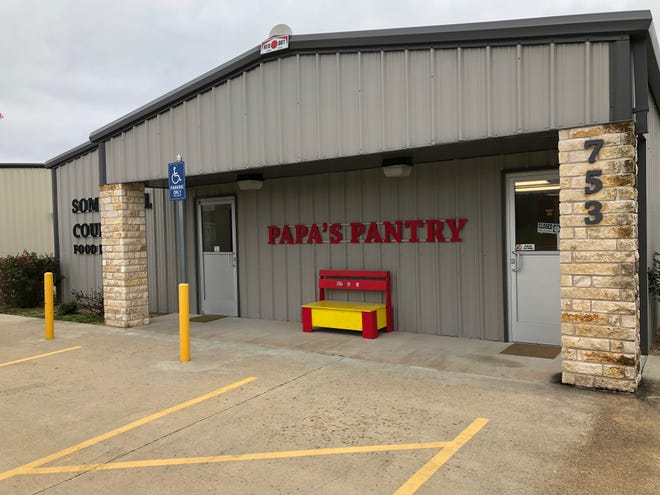 Papa's Pantry at 753 Gibbs Blvd. is seeking food donations and volunteers to help with the upcoming holiday season.