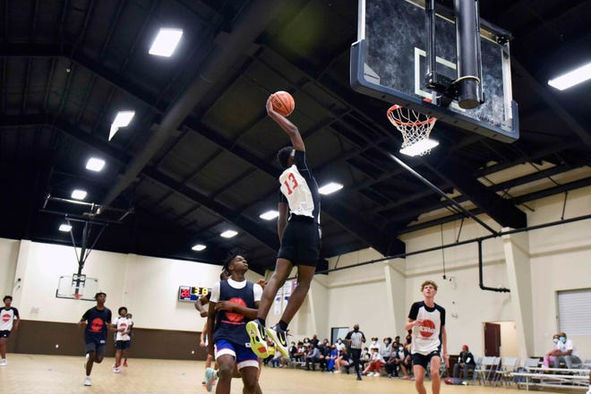 Northside's Isaiah Washington, who averaged 19.5 points per game in the fall league's regular season, is one of the top sophomores in the region.
