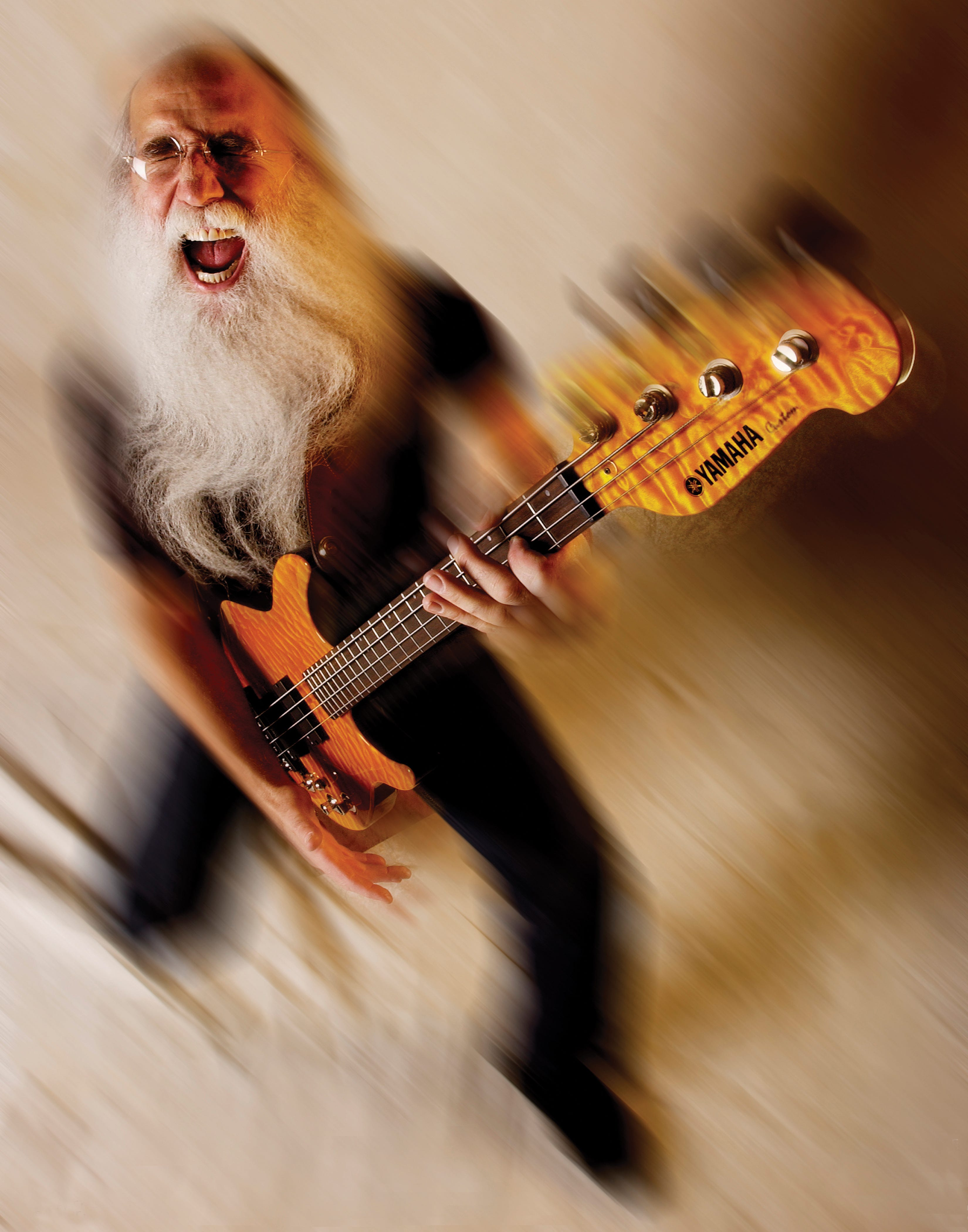 Milwaukee-born bass legend Leland Sklar keeps busy during pandemic with YouTube channel, new band, coffee table book
