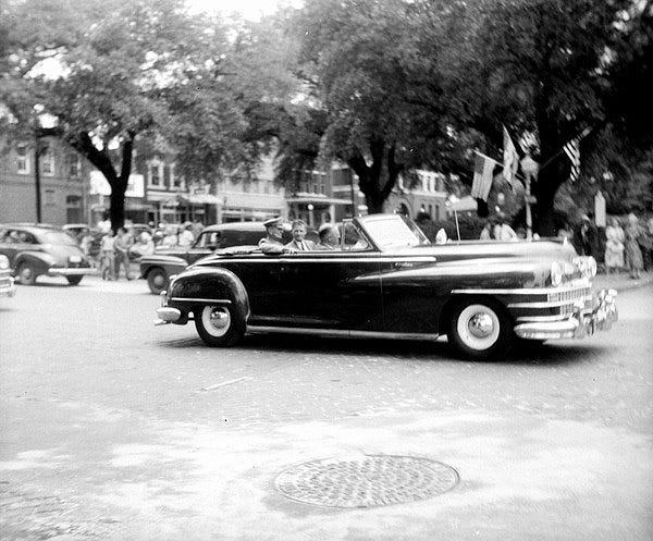 General Wainwright and Florida Governor Millard Caldwell in a parade in Tallahassee.