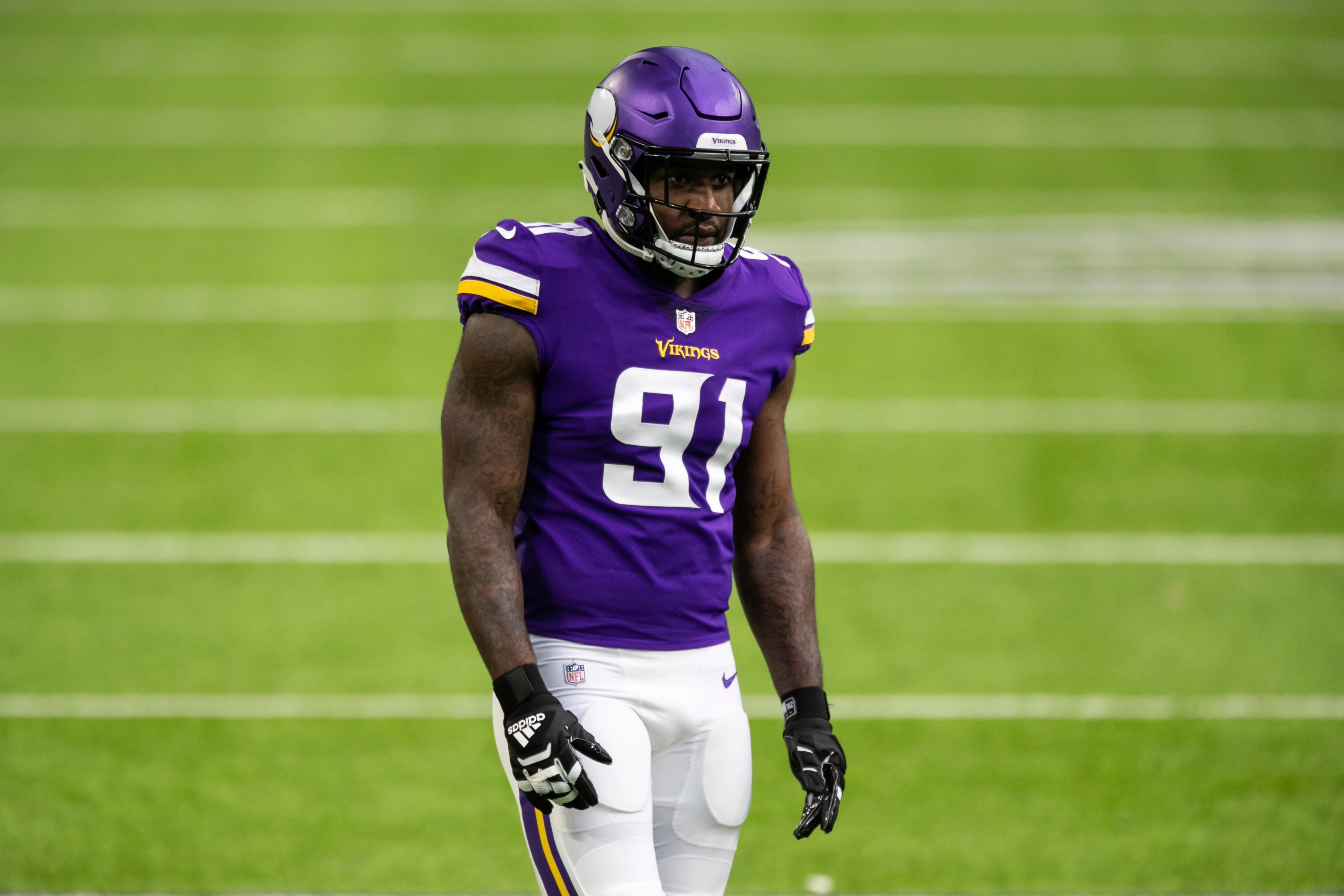 Vikings trade standout DE Yannick Ngakoue to Ravens after six games