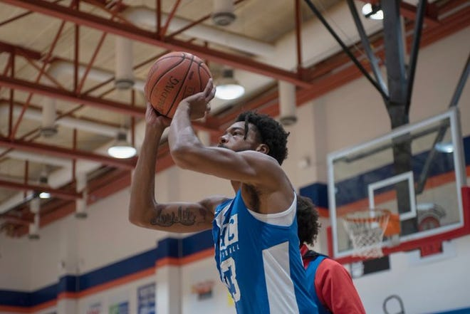 Alabama commit Langston Wilson practices shooting at Georgia Highlands College.