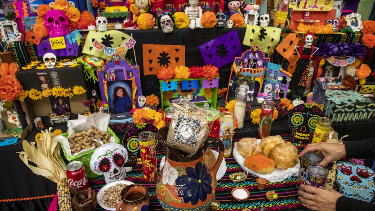 See the Dia de los Muertos ofrenda at this Mesa, Arizona, dance studio