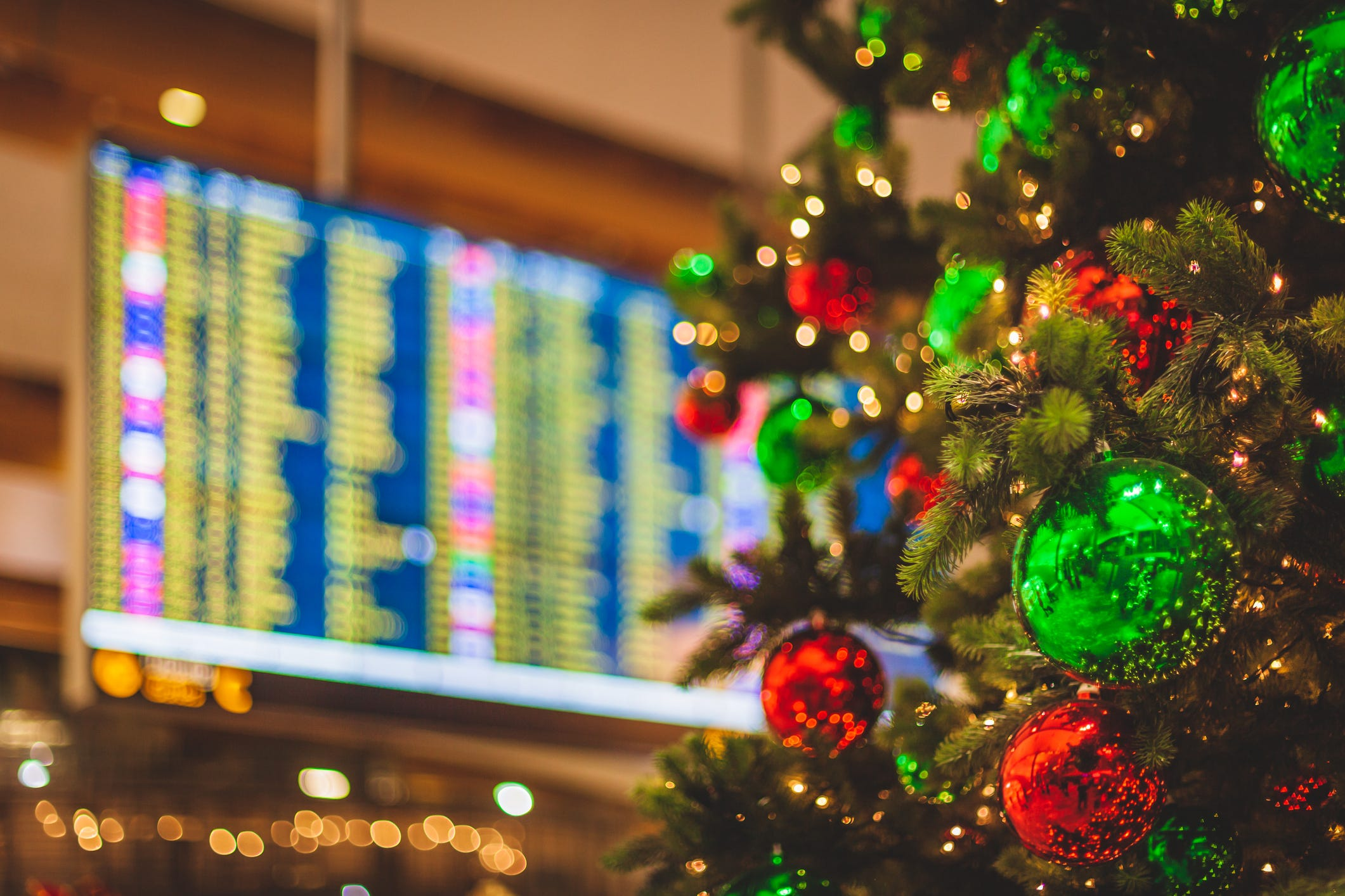 Holiday travel forecast:  Expect more traffic on the road and in the sky, despite COVID-19