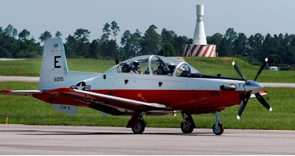 2 crew killed when U.S. Navy training plane crashes in Alabama