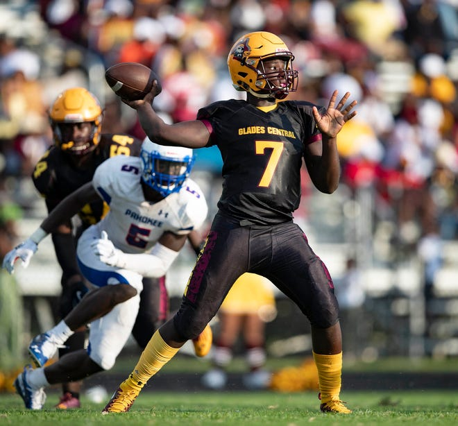 """Glades Central quarterback Zo'Marion Harper throws a pass during last year's Muck Bowl against Pahokee. Harper is one of new coach Rashad Jackson's """"hidden gems."""""""