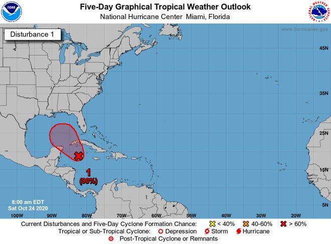 Los pronosticadores del Centro Nacional de Huracanes le dieron al sistema un 90% de posibilidades de desarrollo el sábado temprano.