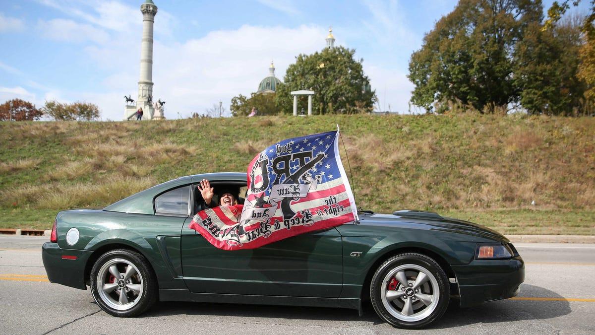 Photos: Trump car parade