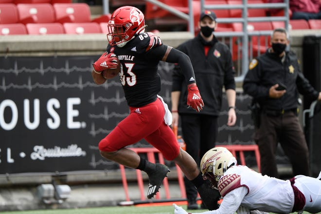 Coming off a Top 10 win last week, FSU was dominated by the Louisville Cardinals, losing 48-16.