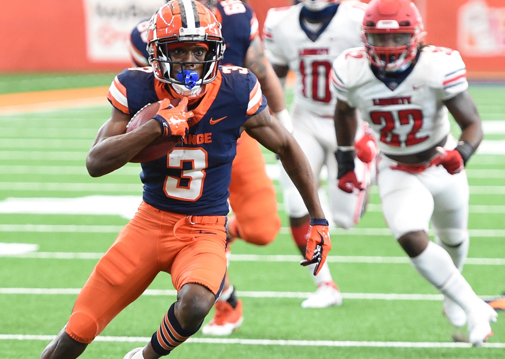 Syracuse receiver doesn't travel with team to Clemson after making obscene gesture in last week's game