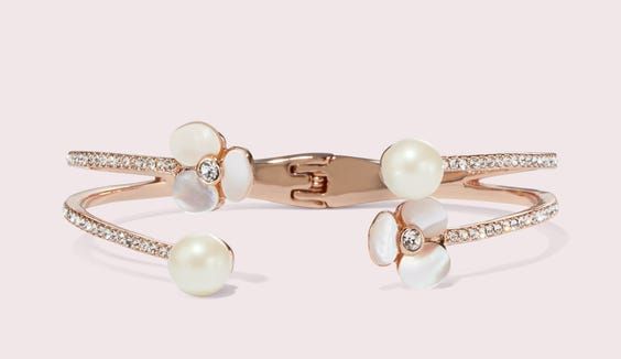 Dainty and elegant, here you come.