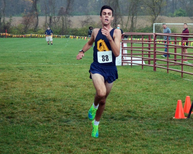 Greencastle-Antrim's Weber Long reached the finish line in 15:48.4 to win the Class AA-A boys race at the Mid-Penn cross country championships in the fastest time of the day Saturday.