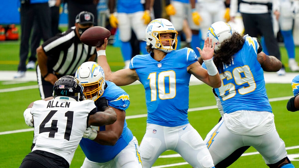 Justin Herbert Gets First Win With L A Chargers Sets Records Along The Way
