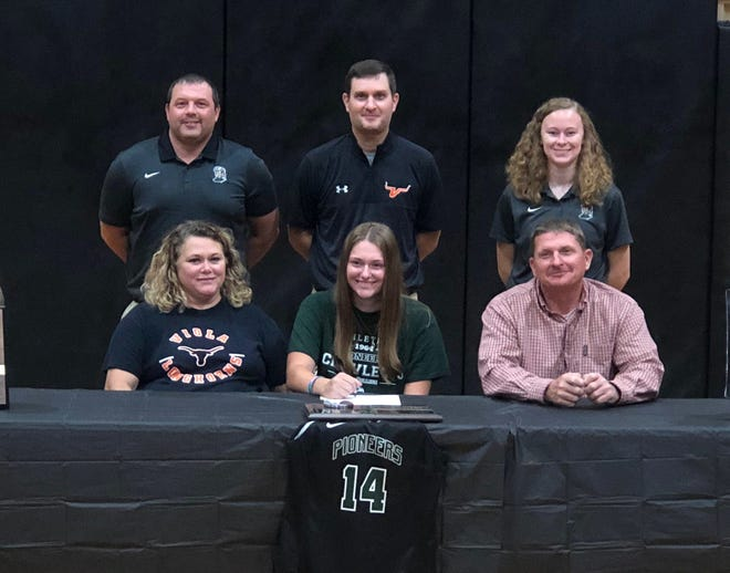Viola's Lindsey Browning recently signed a National Letter of Intent to play basketball at Crowley's Ridge College in Paragould. Pictured at her signing ceremony are: (front row, from left) her mother Denise Browning, Browning, her father Kevin Browning; (back row) Crowley's Ridge head coach Brad Phillips, Viola coach Jason Hughes, and Crowley's Ridge assistant coach Jessica Segraves.