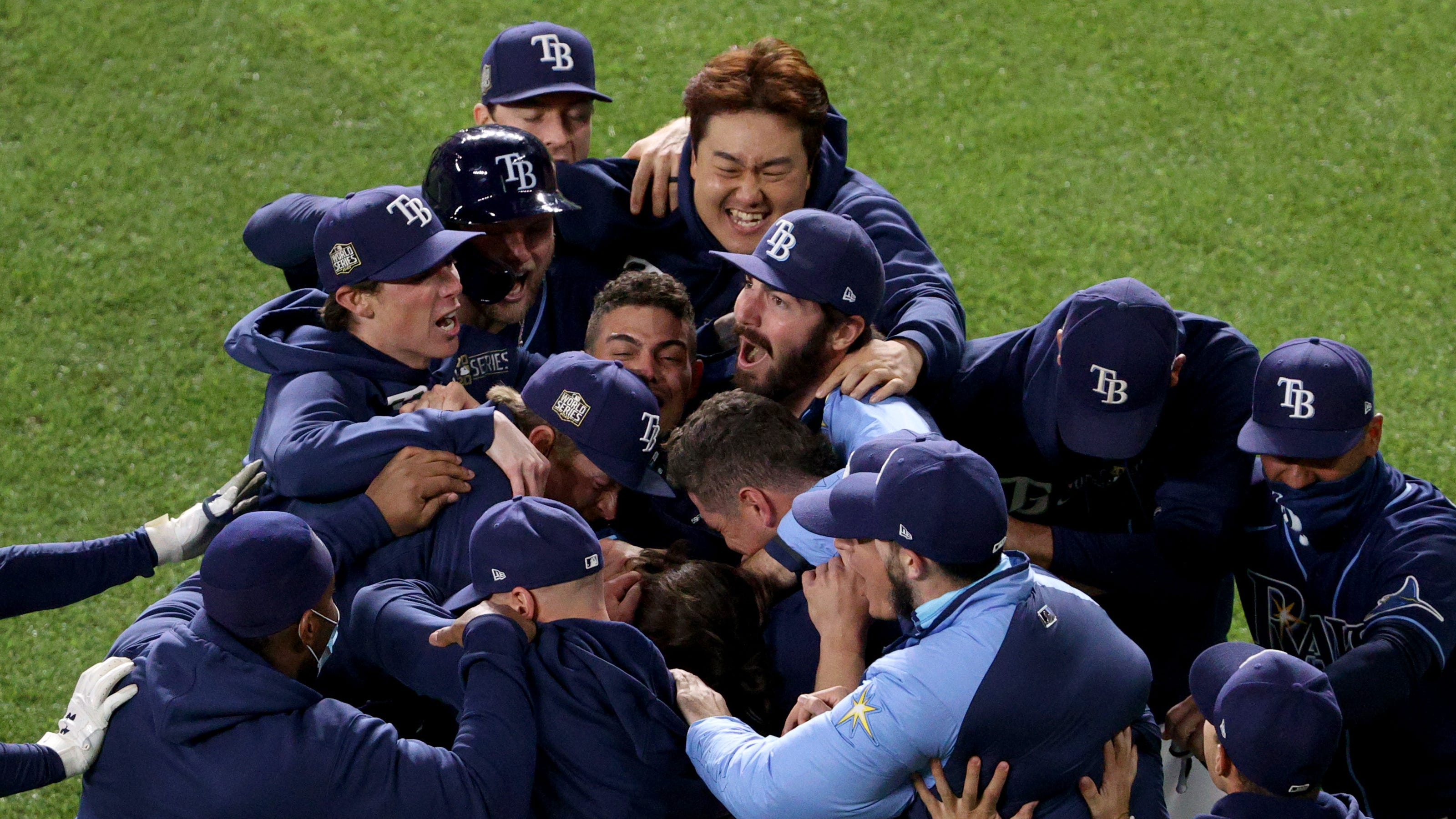 Rays stun Dodgers in Game 4 walk-off, even World Series